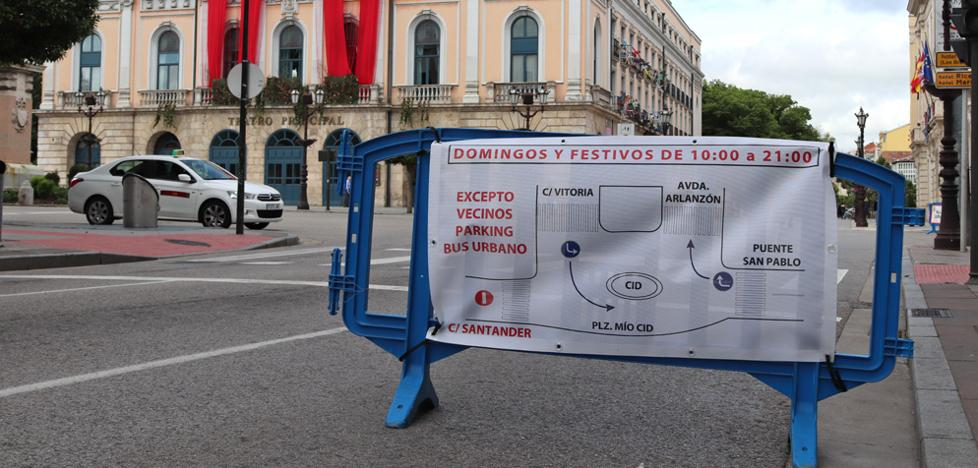 Los taxistas valorarán las consecuencias del cierre de la calle Santander tras el verano