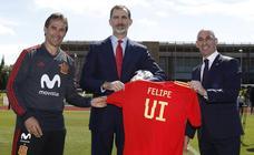 El Rey Felipe VI despide a la selección