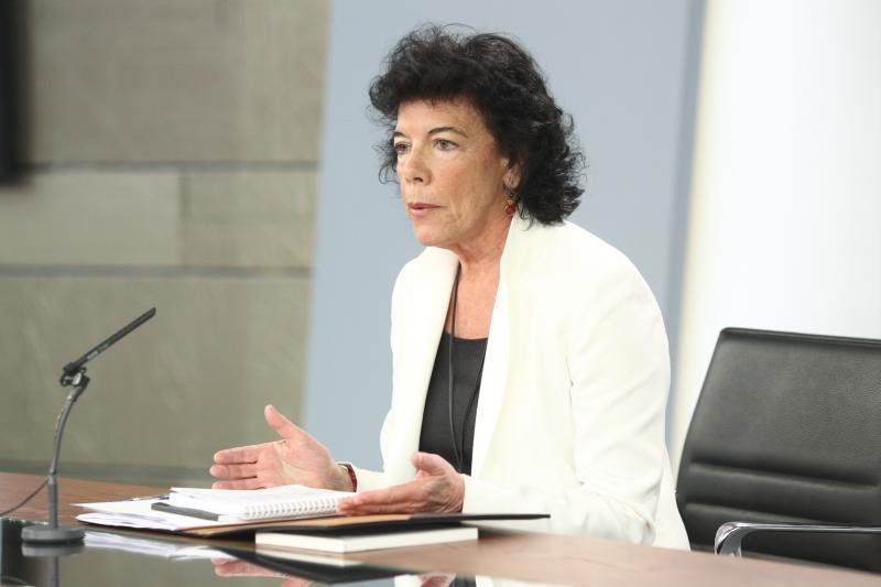 El Gobierno evita tocar la 'hucha' de las pensiones para pagar la extra de verano