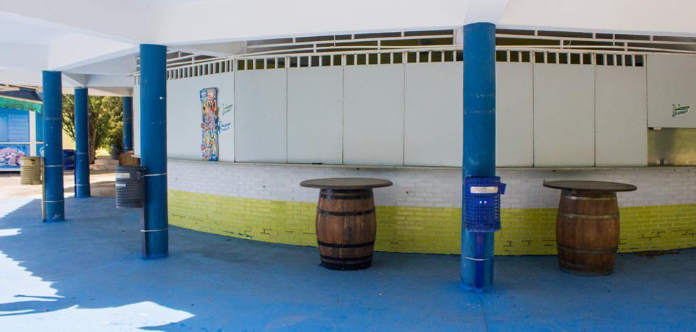 La cafetería de las piscinas de El Plantío no abrirá, como pronto, hasta primeros de julio