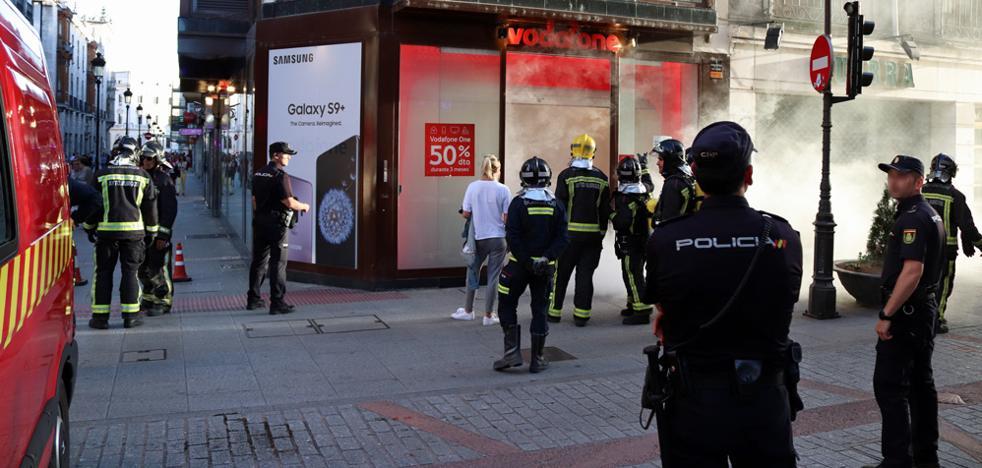 La alarma antirrobo de Vodafone genera revuelo en la calle Santander