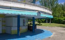 El adjudicatario de la cafetería de las piscinas de El Plantío critica el desinterés municipal