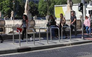 Andando Burgos solicita la retirada de varios de los nuevos aparcabicis