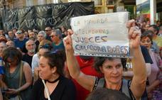 Cientos de navarras se manifiestan en contra de la resolución de la Audiencia
