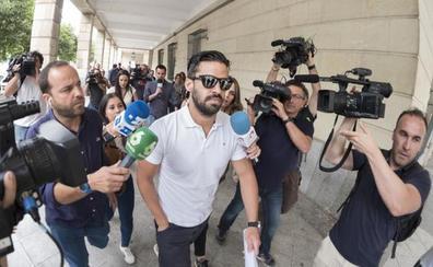 La jueza prohíbe a 'La Manada' acercarse a la víctima de Pozoblanco