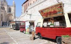 Cinco furgonetas ofrecerán en los Sampedros tapas y bebidas junto a la Catedral