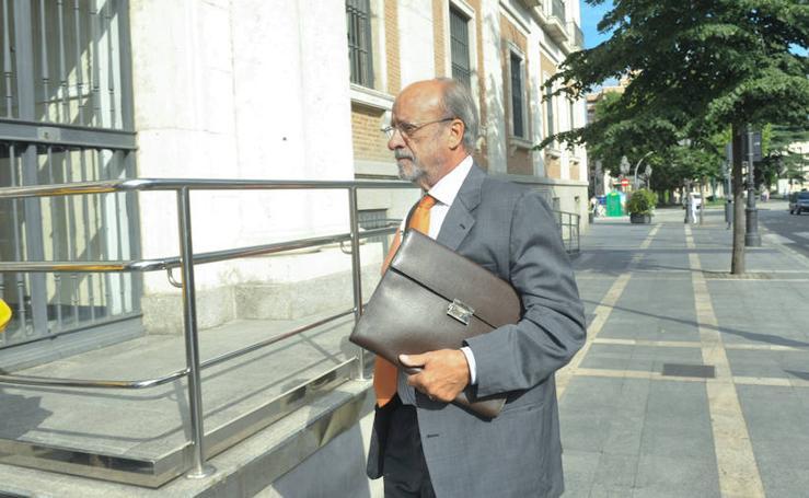 León de la Riva vuelve al banquillo por el caso 'Comfort Letter'