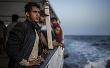 Italia regala doce patrulleras a Libia para combatir la inmigración