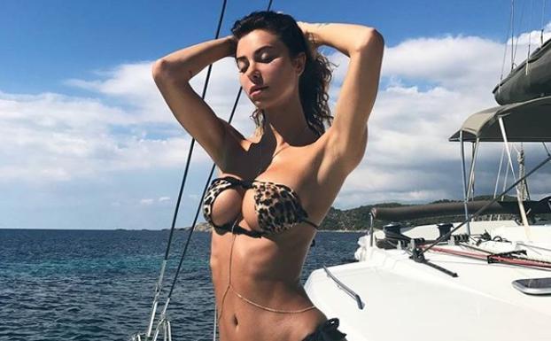 Los bikinis al revés triunfan entre las famosas