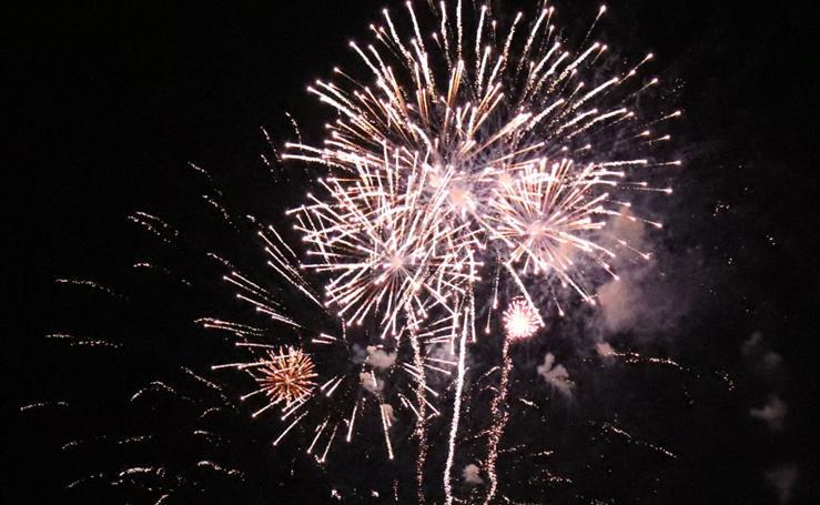 Última sesión de fuegos artificiales en los Sampedros