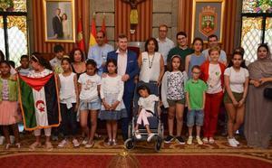 24 niños saharauis recalan en Burgos para pasar unas vacaciones en paz