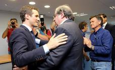 Pablo Casado se reúne con afiliados y compromisarios en Valladolid