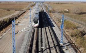 Ábalos advierte de que «cuanto menos, aún quedan meses» para poner en servicio el Ave en Burgos