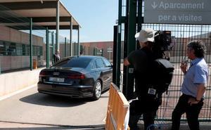Sorprenden a un recluso con un móvil para grabar a presos independentistas en Lledoners