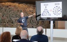 'Naukas Evolución Burgos' atrae a cientos de personas interesadas en la ciencia
