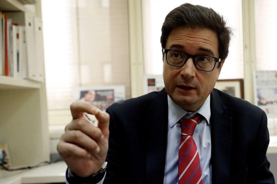 El senador segoviano Óscar López presidirá Paradores