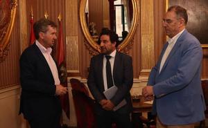Lacalle recibe al nuevo presidente del Burgos CF