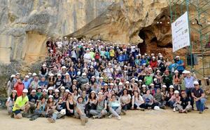 Un brindis por los antiguos investigadores de Atapuerca