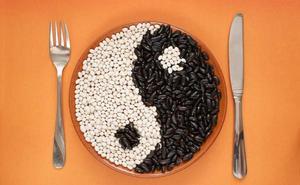 Cenar dos horas antes de irse a la cama reduce el riesgo de cáncer de mama y próstata