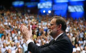 Rajoy: «Me aparto, pero no me voy. Seré leal»