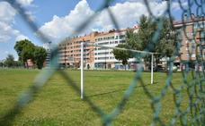 Salinero reclama una solución al campo de fútbol construido por la UBU sin licencia