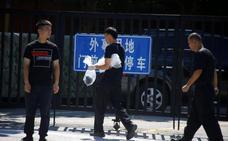La explosión de un artefacto ante la embajada de EE UU en Pekín deja un herido
