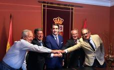 La Junta y la Diputación firman el acuerdo para eliminar 122 escombreras