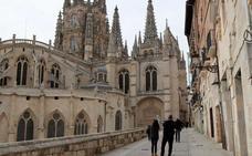 Gómez pide «reflexión» tras los «desastrosos» datos de turismo, con una caída del 9% en rentabilidad económica