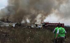 Todos los pasajeros sobreviven tras estrellarse un avión en México