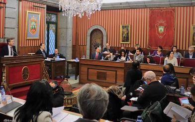 El PSOE niega que se hayan paralizado por pagos por las vacaciones del interventor y acusa a Foronda de «mentir»