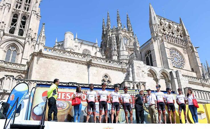 Presentación e inicio de la XL Vuelta a Burgos a los pies de la Catedral