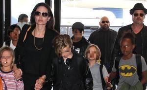 Angelina Jolie ataca y los amigos de Pitt defienden al actor