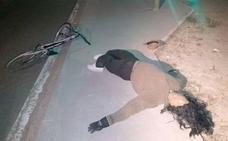 Movilizan a medios sanitarios y a la Guardia Civil en Cabezón tras simular un accidente con un maniquí y una bici