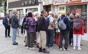 Siete informadores turísticos de la Diputación al servicio del turista que viene a la provincia