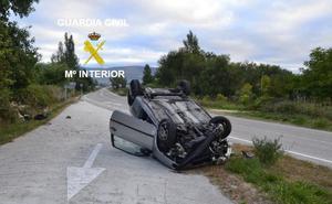 Investigado un joven de 21 años que duplicó la tasa de alcoholemia tras volcar con el coche