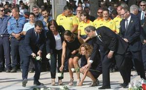 Encontronazo entre Torra y Albiol en el homenaje de Cambrils