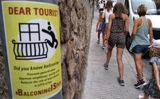 Humor macabro con 'balconing'