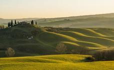 Cortona, un mirador de piedra en plena campiña italiana