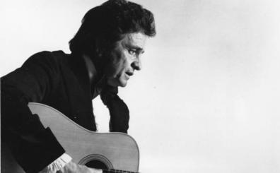 Johnny Cash, el hombre de negro al que cegó la luz blanca