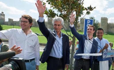 Casado abre el curso político en Ávila con la propuesta de acabar con la Ley de memoria histórica
