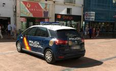 Dos detenidas por hurtar dos perfumes valorados en 225 euros en un local del centro de la capital