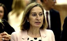 Pastor invita al presidente catalán a defender sus propuestas en el Congreso