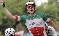 Viviani repite triunfo y Yates sigue líder