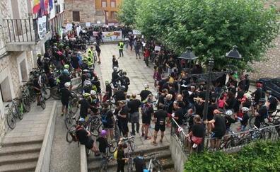 300 personas, contra el Ayuntamiento de Modúbar por la suspensión de la Modumarcha
