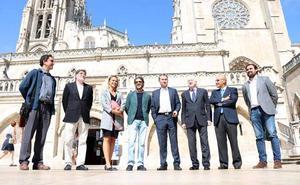 José Tomás visita la Catedral, para conocer su VIII centenario, y Down Burgos