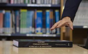 Pedro Sánchez dará hoy acceso libre a una versión digital de su tesis para atajar sospechas