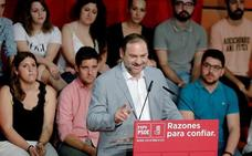 Ábalos pide a Rivera «una disculpa pública» por las dudas sobre la tesis de Sánchez
