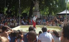 EnClave de Calle vuelve a cosechar éxitos, con el circo y las marionetas holográficas como estrellas protagonistas