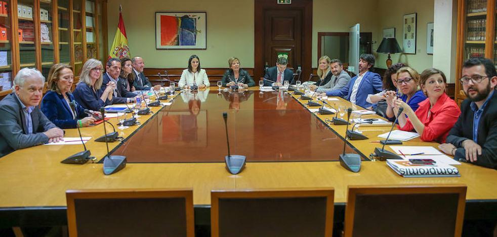 El factor de sostenibilidad y las pensiones mínimas, los otros dos escollos del Pacto de Toledo