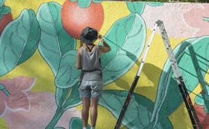 Doa Oa subastará dos lienzos de gran tamaño a favor de Parkinson Burgos